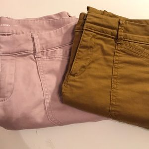 2 pairs of Old navy pixie ankle chinos - 6